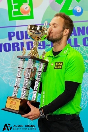 2015 China Open - Albin Ouschan with Trophy